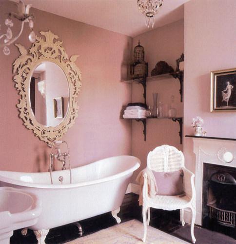 Tips on vintage decorating guest post the good girls guide for Bathroom design vintage